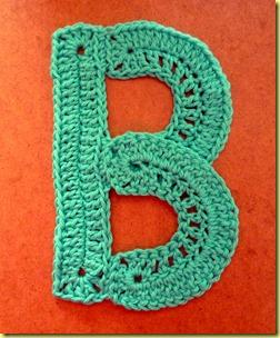 gehaakte letter B