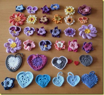gehaakte bloemetjes en hartjes